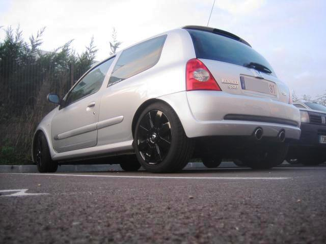 forum clio williams 16s afficher le sujet vol clio rs 2004 gris titane af 368 xn dans le 91. Black Bedroom Furniture Sets. Home Design Ideas