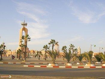 الصحراء المغربية: من رحل و مترحلون الي متحضر و متمدن Laayoune-mimouni1-fe971c